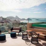 Rooftop com vista para a praia de Copacabana